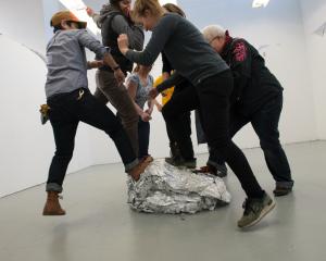 (Foil) Wrap Party – 2018